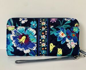 NWT Vera Bradley Iconic RFID Accordion Wristlet Wallet Moonlight Garden RP $60