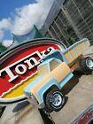 Tonka Sign