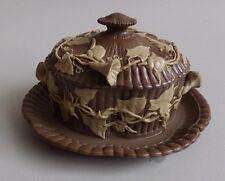 Villeroy et Boch. Boite couverte en grès fin à décor de liserons, XIXe siècle