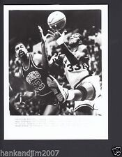 James Edwards vs Greg Anderson 1988 Vintage 7x9 Glossy A/P Photo with caption