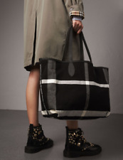 NWT Burberry Medium Reversible Doodle Tote Shoulder Bag , Made in Italy