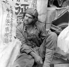 WW2 Photo WWII USMC M4 Sherman Crewman  US Marines Pacific  World War Two/ 3134