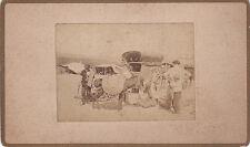 Photo cdv : Marché , Roulotte et campement en arrière plan , 1867