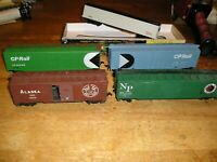 HO TRAIN LOT CNCP-5. 5 ROUNDHOUSE TYCO FREIGHT CARS
