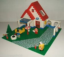 Lego 6374 Holiday Home  House + Car, 2 Minifigures, Complete with Alternate Tree