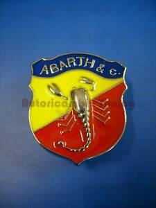Schild Emblem Logo Abarth Metall 32x38mm von Fiat 500 Auto Oldtimer A005