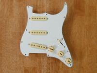 LOADED PICKGUARD WHITE WITH AGED WHITE ALNICO 5 PICKUPS FOR STRATOCASTER