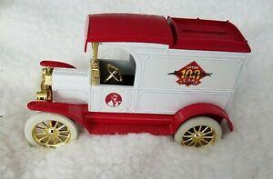Die Cast Bank Lipton Tea Truck # 7505 White Wheels Key