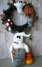 PRIMITIVE FOLK ART SEWING PATTERN 'GHOSTLY GREETINGS' GHOST & HALLOWEEN WREATH
