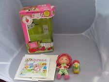 Vintage Strawberry Shortcake Cherry Cuddler doll & pet Gooseberry Goose w Box