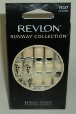 REVLON Runway Nail Kit MEDIUM Length 24 Nails  MEDIUM 91087