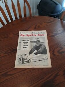 MARCH 23,1968-THE SPORTING NEWS-JIM BUNNING OF THE PITTSBURGH PIRATES(MINT)