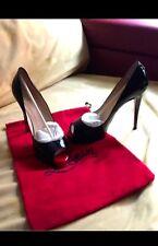 Zapatos Louboutin negros y rojos talla 39, Size 8'5