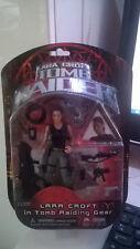 2001 Tomb Raider Lara Croft in Tomb Raiding Gear Action Figure
