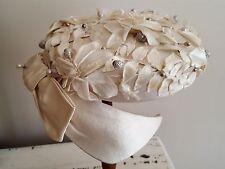 Chapeau de mariée en soie perle et épingle à chapeau Création J. Gautier 12534