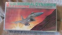 Hobby Craft US General Dynamics F-16 Fighter Model Kit - 1/48 Scale   (G 10)