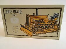 John Deere Crawler with Blade 1:16 ERTL