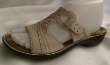 Clarks Bendables Beige Leather Slides Sandals Womens 6 Med Open Toe Shoes Wedge