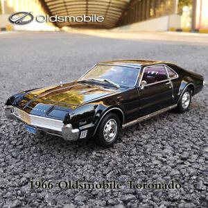 Road Signature 1:18 Scale 1966 Oldsmobile Toronado Black Diecast Car Model New