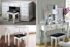 Muebles modernos de color principal plata para el dormitorio