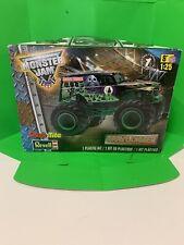 Revell SnapTite Max  Grave Digger Monster Truck 1:25 Model Kit For Parts