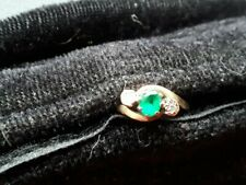 LADIES SOLID 9CT GOLD 3 STONE DIAMOND AND EMERALD
