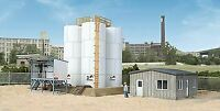 WALTHERS CORNERSTONE HO SCALE TRUCK OIL LOADING STATION KIT 933-4038