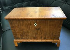 Miniature Chest Trunk Box Casket Kentucky? Maple Wood Chippendale Southern Spice