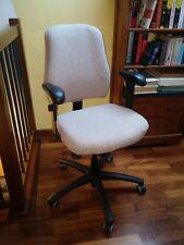 Sedia da scrivania per casa e/o ufficio in tessuto. IKEA modello VERKSAM.