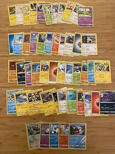 Pokémon TCG / 50 Karten mit 5 Reverse Holo Glitzernden Karten / Boosterfrisch DE