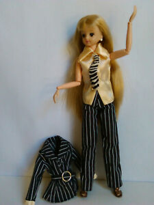 Rare Takara TOMY 1996 Jenny Doll Super Model Club Naomi outfit/dress Articulated