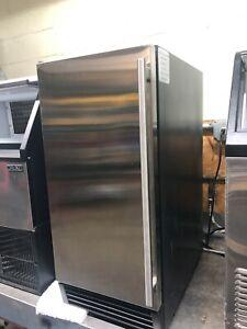 MAXX ICE MIM50P - 65 LBS ICE MACHINE W/ STORAGE AND PUMP- WARRANTY