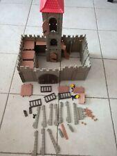 playmobil vintage, nombreux éléments château, tour,créneaux, grande porte,divers