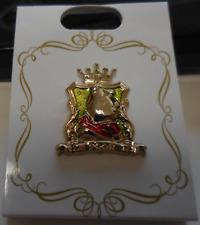 Disney Pin Jds Japan Disney Store Winnie the Pooh crest Pin