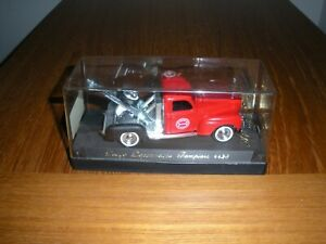 "SOLIDO DIECAST TOW TRUCK Chicago Fire Dept  FRANCE IN DISPLAY BOX 4.25""L"