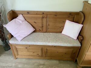 Solid Pine Settle/Pew/Monks Bench With Storage Ideal Hallway