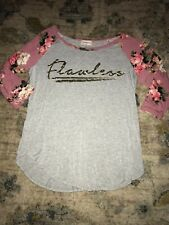 """Juniors Top Size M """"flawless"""" Floral 3/4 Sleeve"""