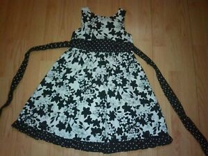 POLLY & FRIENDS GIRLS BLACK AND WHITE FLOWER DRESS SIZE 6