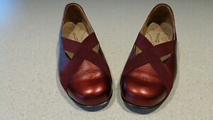 KUMFS BURGUNDY FLAT SHOES ELASTICIZED FOR COMFORT SIZE 40 W AS NEW CONDITION