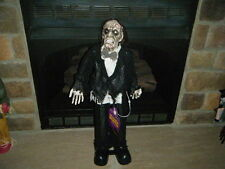 HALLOWEEN ZOMBIE BUTLER BOW TIE FORMAL 2.5' FT W/ BLINKING RED LITE EYES MOTION