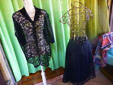 noir  T52-54,ensemble dentelle ,jupe plissée et corsage TRES BON éTAT !élégant
