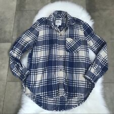 Women's American Eagle blue cream plaid boyfriend fit button down shirt! Size S