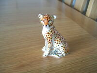 ROYAL CROWN DERBY PAPERWEIGHT OF A CHEETAH CUB