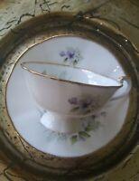 VTG Royal Heritage Bone China Tea Cup & Saucer. Delicate Floral Pattern. EUC.