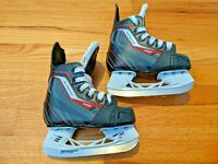 CCM Jetspeed 250 Ice Hockey Skates - Youth - Size 9J