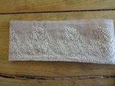 dentelle ancienne brodée  3m