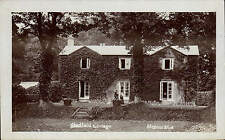 Shadfield Cottage by Mentor & Co. Steps.