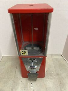 Used Oak Vista Vending Machine