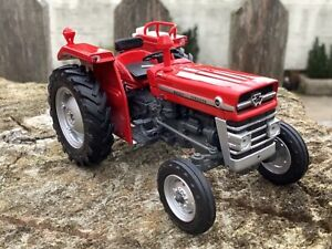 1/32 scale Universal hobbies 2940 Massey Ferguson 133 tractor tracteur Ltd Ed