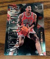 1996-97 Fleer Metal #5 Metal Edge Insert Scottie Pippen - Bulls